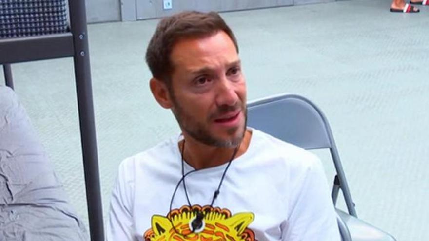 Antonio David abandona su casa antes de la emisión del documental de Rocío Carrasco