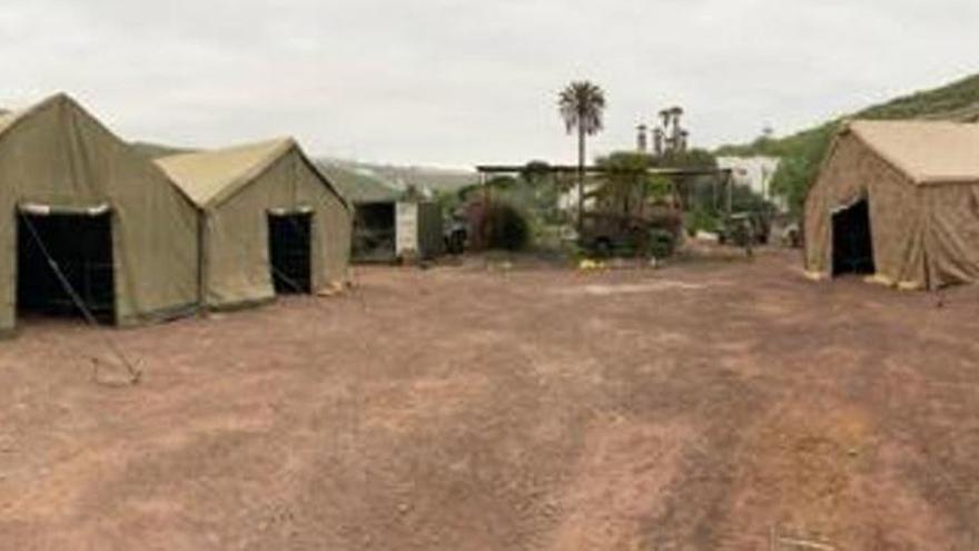 Defensa instala un campamento para 800 inmigrantes en Arguineguín