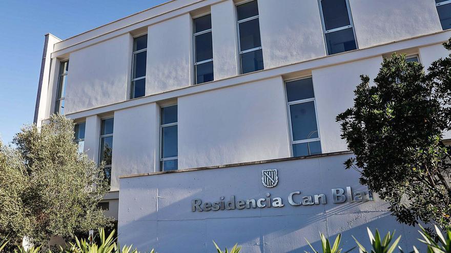 El Consell de Ibiza descarta asumir el 1 de enero la gestión de las residencias