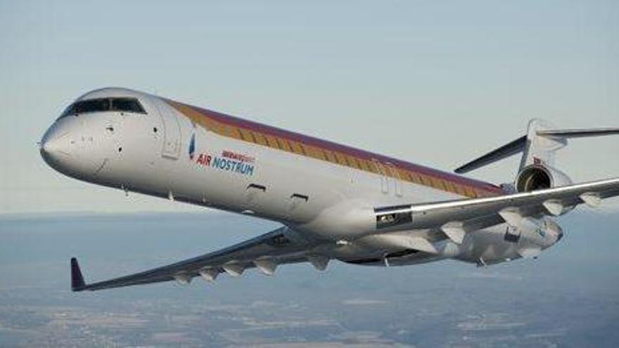 Pons defiende una rebaja del coste de los vuelos interislas para los turistas