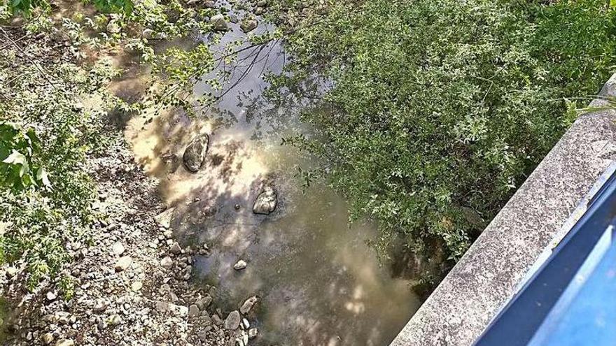 Los vecinos denuncian vertidos residuales y malos olores en Los Gallegos