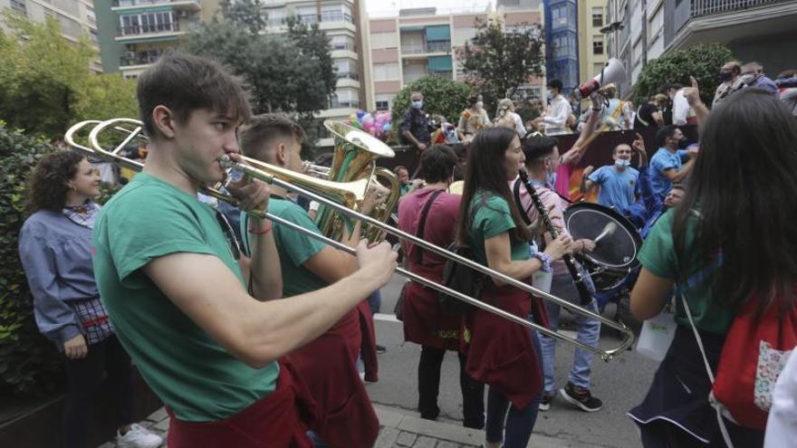 Alzira consigue sortear las restricciones al retrasar  los festejos hasta octubre
