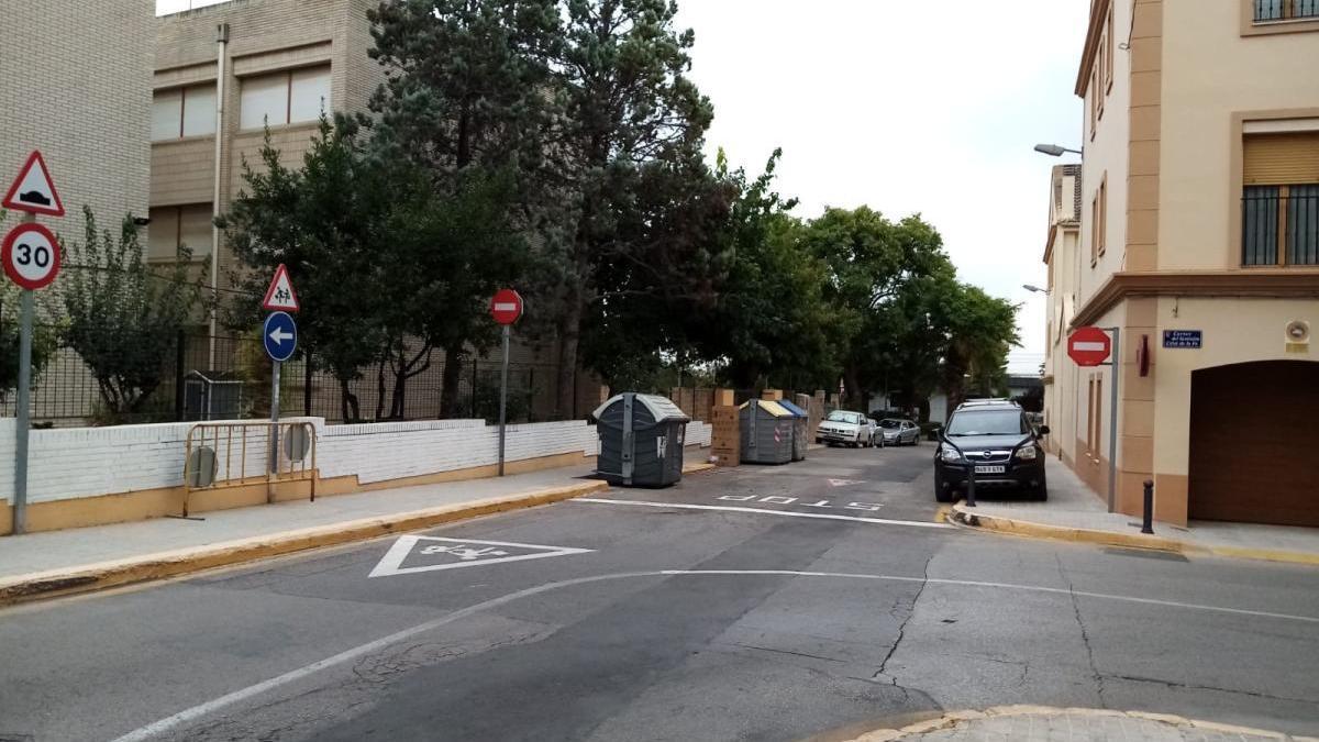Paterna peatonaliza el entorno del colegio Clara Campoanor para ordenar el acceso