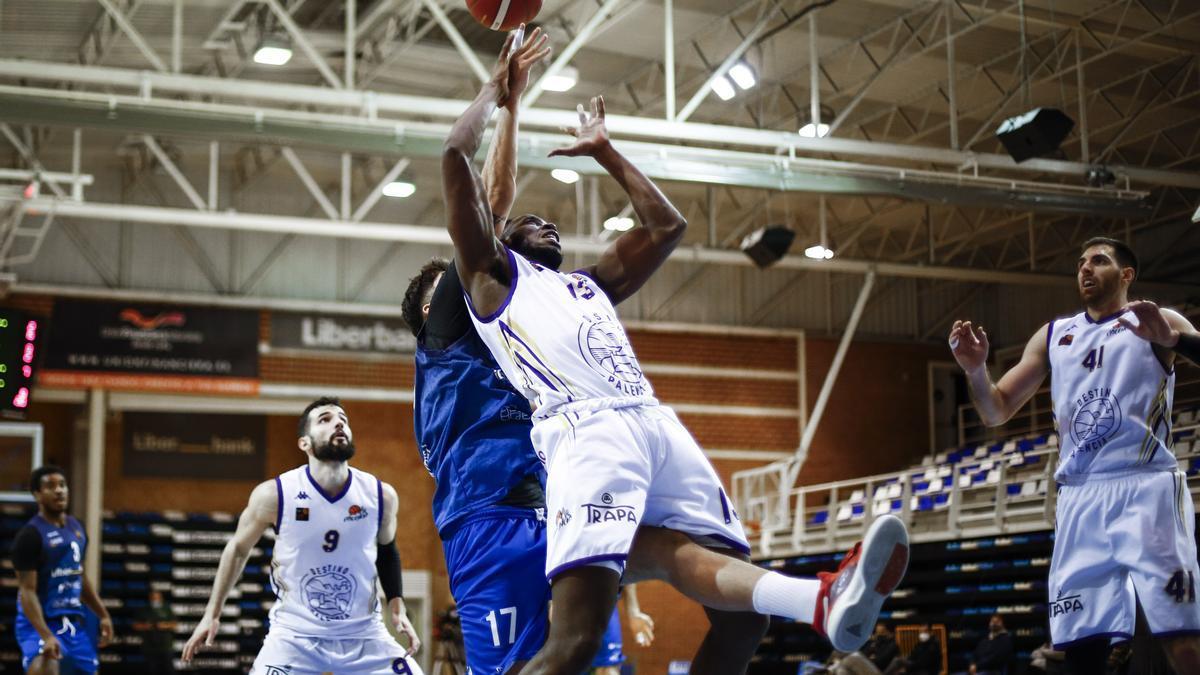 Un momento del partido del Oviedo Baloncesto
