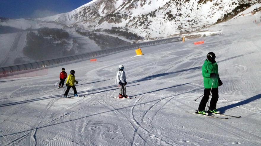 Esquiar un 24 de desembre al Ripollès amb les pistes gairebé buides: «És un somni fet realitat»