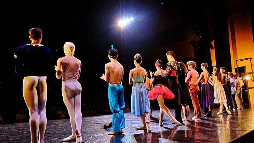Girona en moviment       L'Auditori es bolca en la gala inaugural