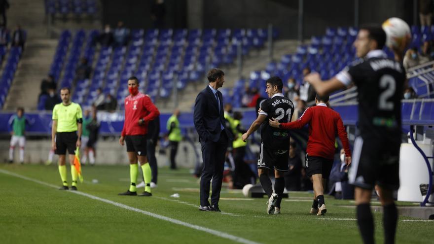 El gesto de Berjón a Ziganda: las imágenes y la contestación del técnico del Oviedo