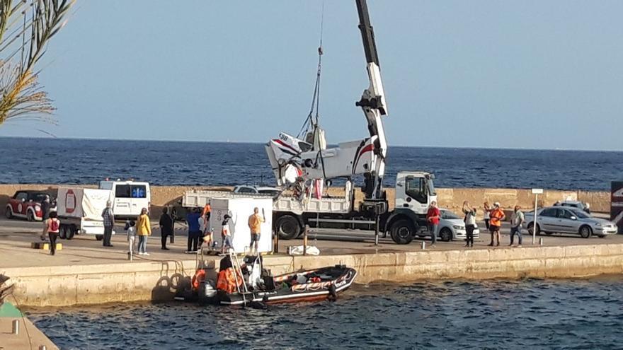 Retiran del mar la avioneta estrellada en Cabo de Palos