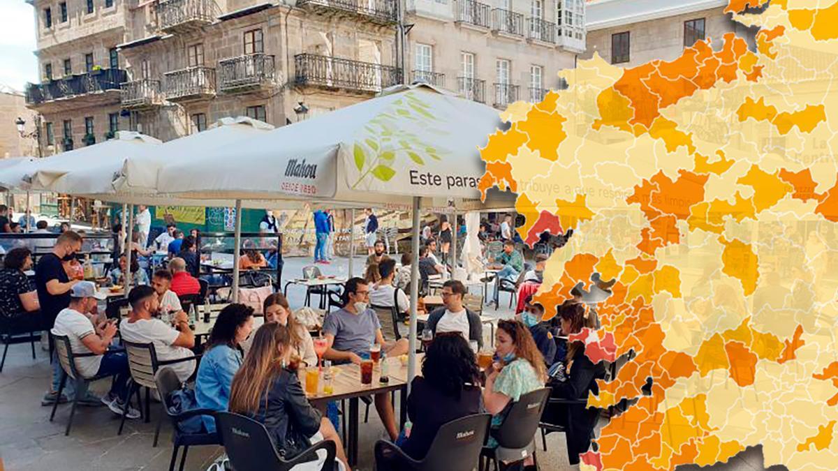 Terrazas llenas en la Praza da Constitución de Vigo.
