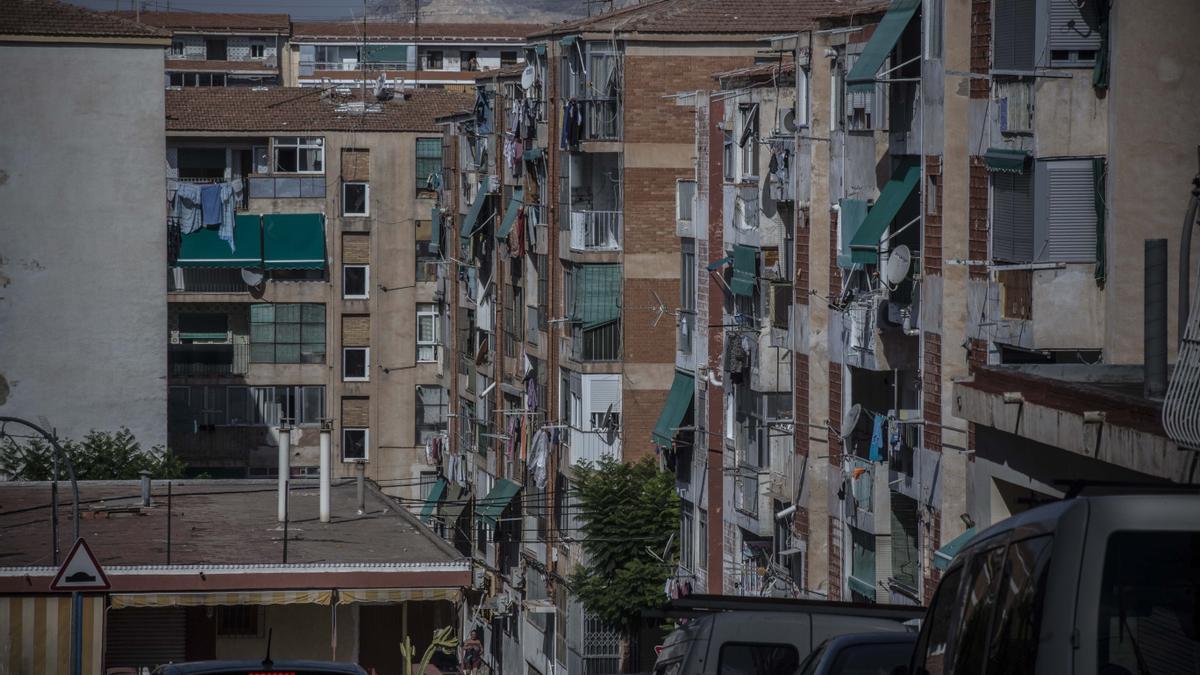 Imatge d'un barri de la ciutat d'Alacant on una part significativa de la població es troba en risc d'exclusió social.
