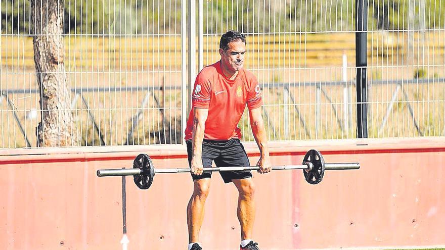 Equipo: Luis García también se pone en forma