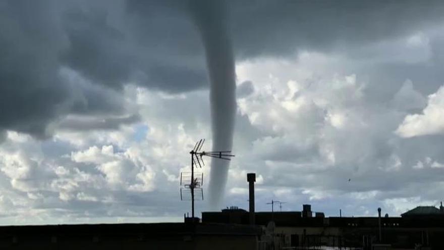 Impresionante tornado marino en Génova