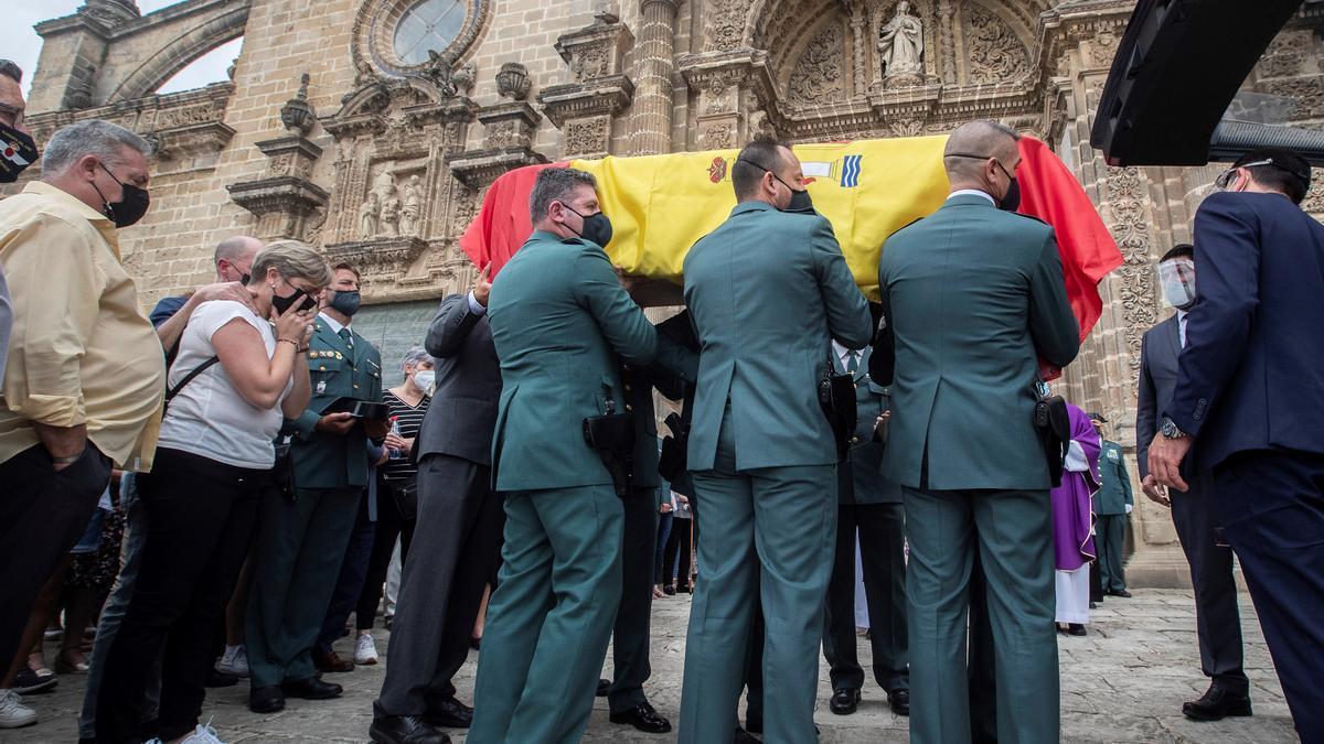 Despedida con honores para el guardia civil atropellado mortalmente en Jerez.