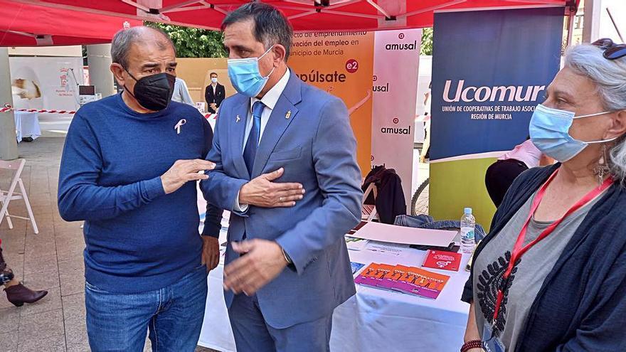 Ucomur expone sus servicios e iniciativas en la V Feria Municipal de Proyectos Empresariales y Emprendimiento