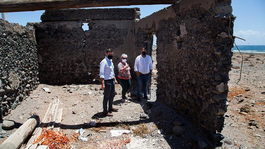 Urbanismo precinta una vivienda de alto valor etnográfico en Castillo del Romeral