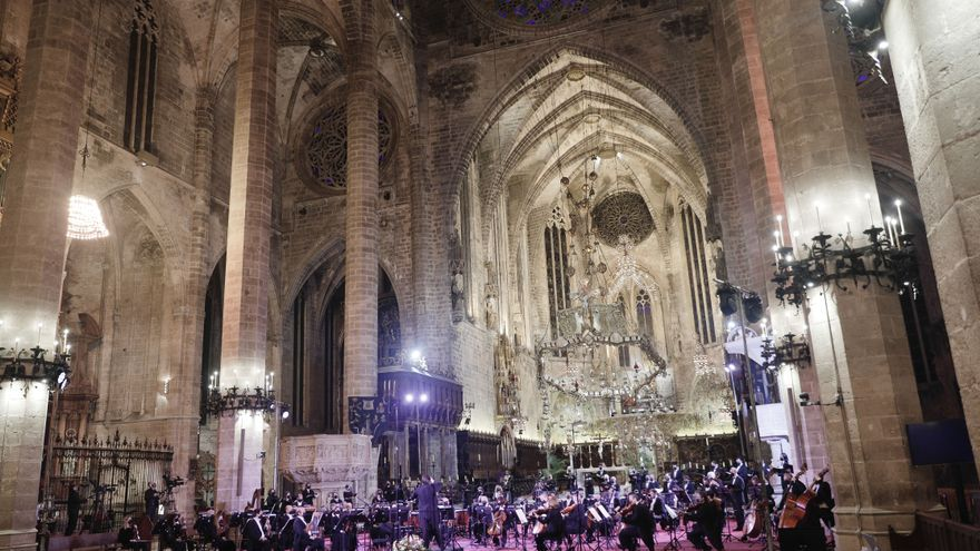 El concierto de la Seu, a puerta cerrada, recuerda a las víctimas de la covid-19