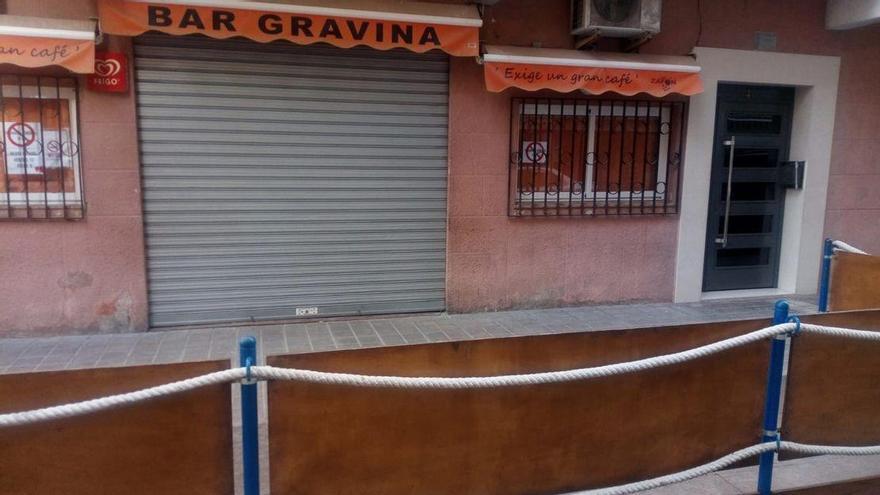 """Juanvi, propietario del Gravina del Grau: """"Estamos cerrados y solo voy al bar a limpiar"""""""