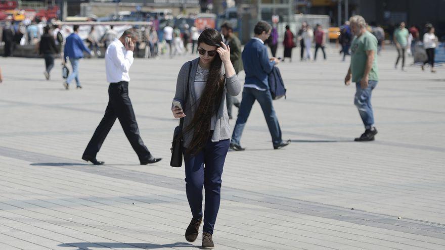 Google et recordarà que aixequis la mirada del mòbil quan caminis pel carrer
