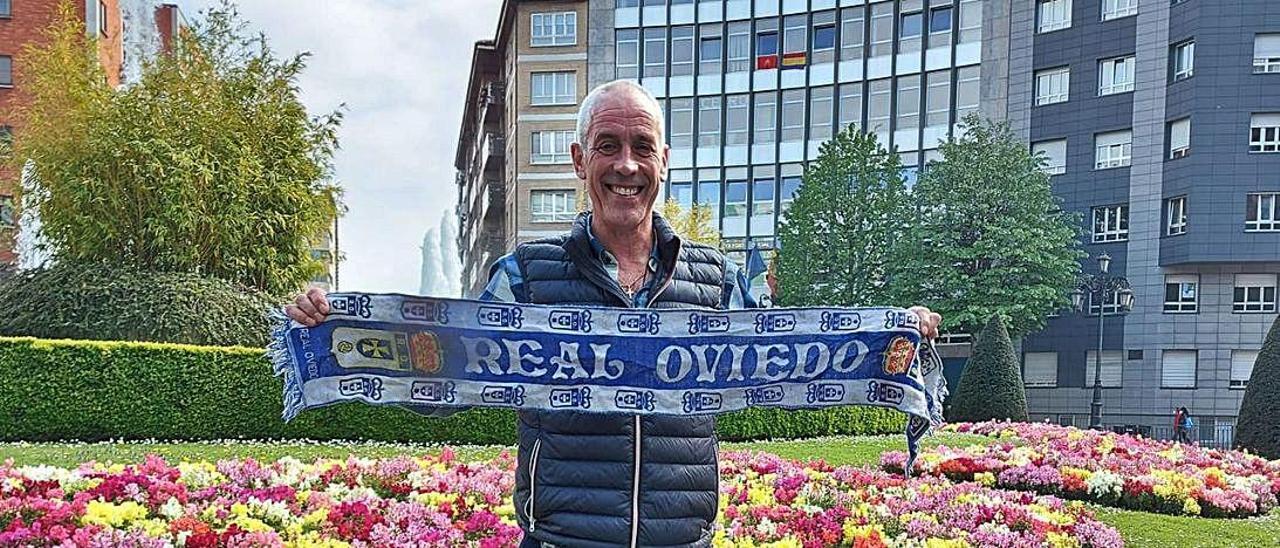 Antonio Gorriarán, en la plaza de América de Oviedo. | X. F.