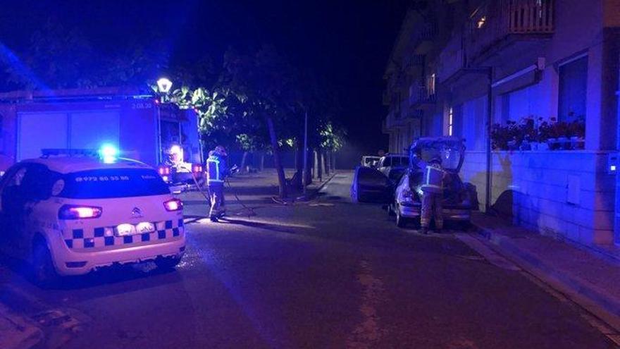Crema un cotxe aparcat a Llagostera