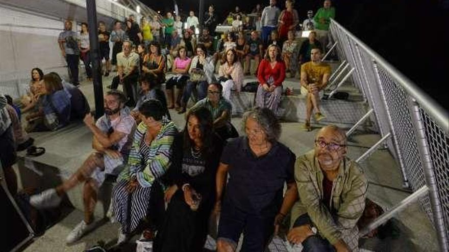 Ukestra do Medio llena de música la noche de Raxó