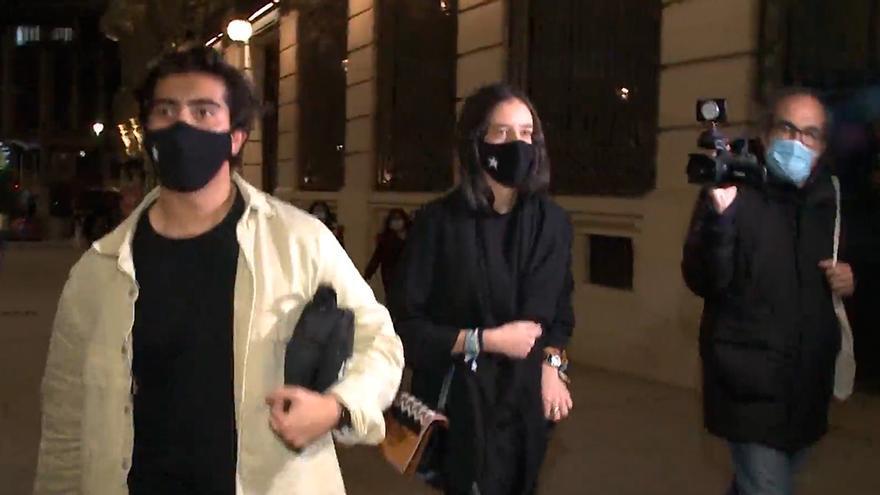 """""""Ladrona, devuelve el dinero"""": el grito de varias personas a la nieta del Rey Juan Carlos"""