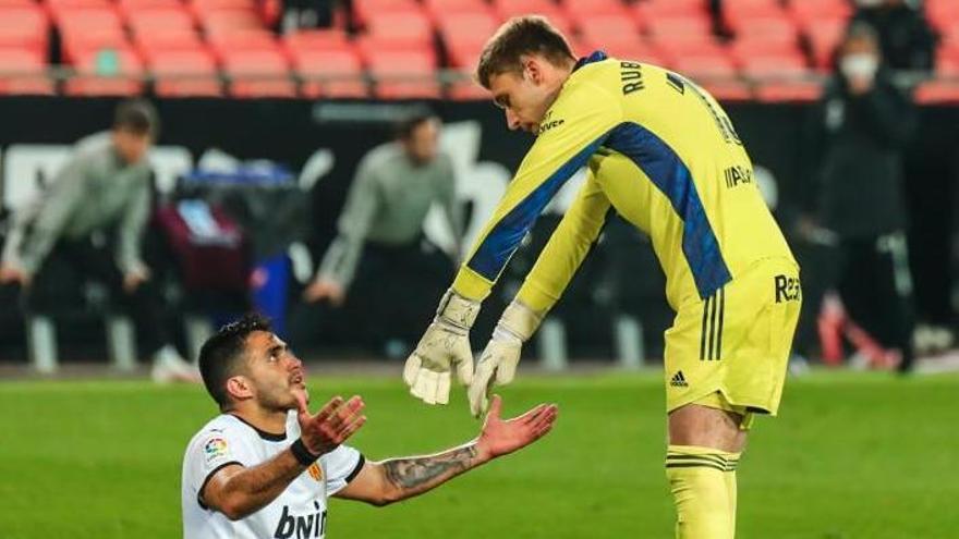 Competición corrige al árbitro y deja sin efecto la tarjeta roja a Rubén