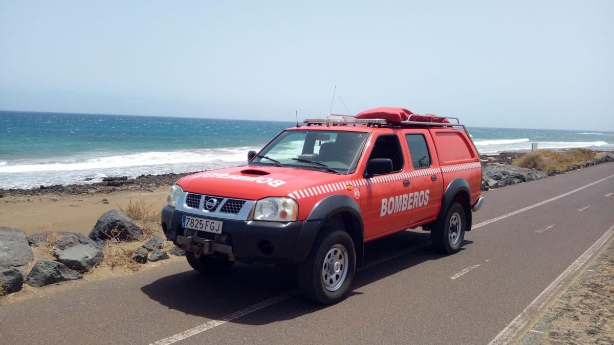 Búsqueda, hoy, de la mujer en apuros en el kayak en Playa Honda, a la altura del Aeropuerto César Manrique-Lanzarote.