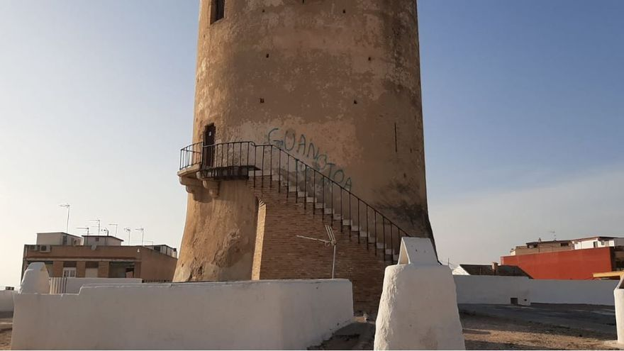 Pintada en la Torre de Paterna