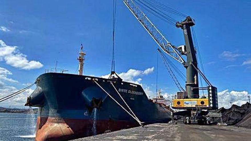 La empresa NMR enviará a India y Vietnam 1,5 millones de toneladas de carbón al año