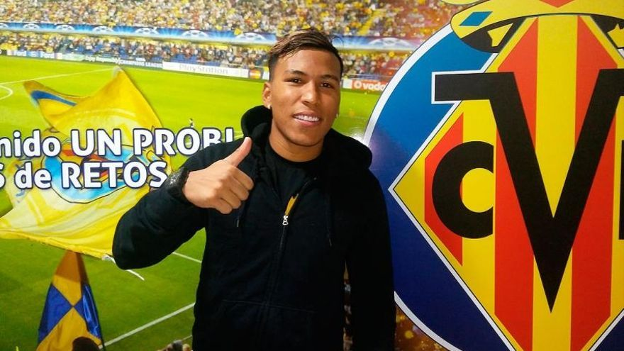 Roger Martínez sustituirá a Bakambu en el Villarreal