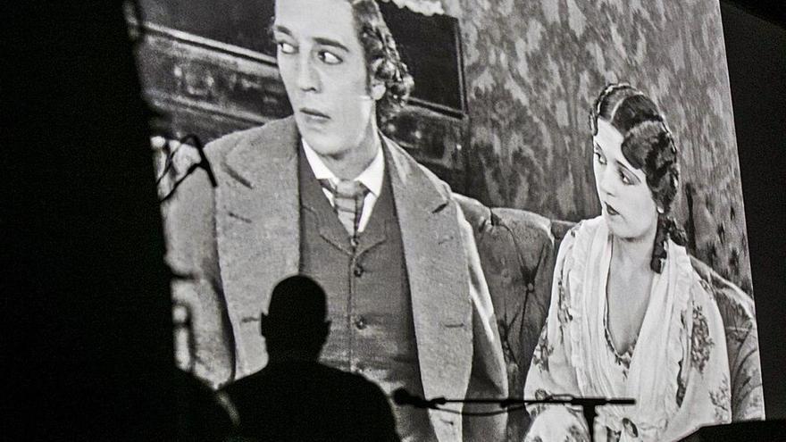 Buster Keaton ríe a ritmo de jazz