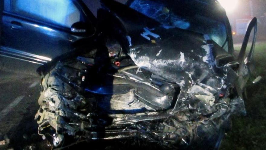 Dos jóvenes mueren carbonizados en un choque frontal entre dos vehículos en Cerceda