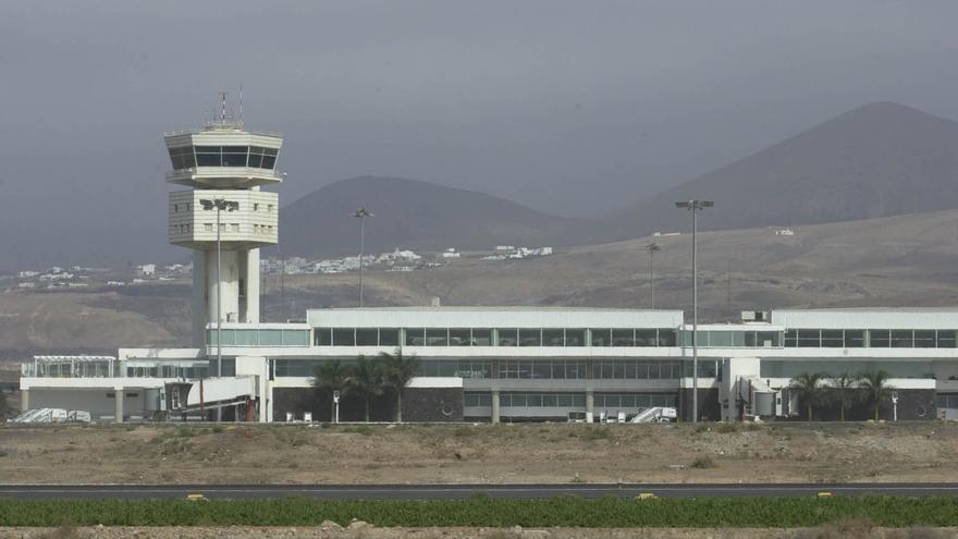 """Los ocho aeropuertos canarios reciben la certificación de """"seguros"""" frente a la Covid-19"""