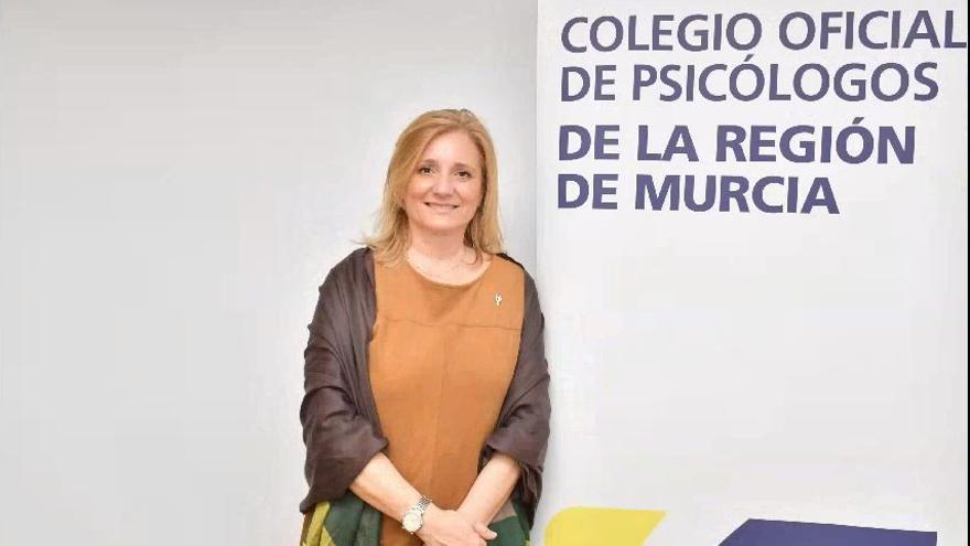 La nueva decana del Colegio de Psicólogos de la Región reivindica su papel en la pandemia
