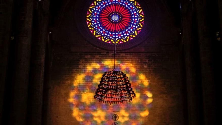 La catedral retransmite el vuit de la seu a través de su web