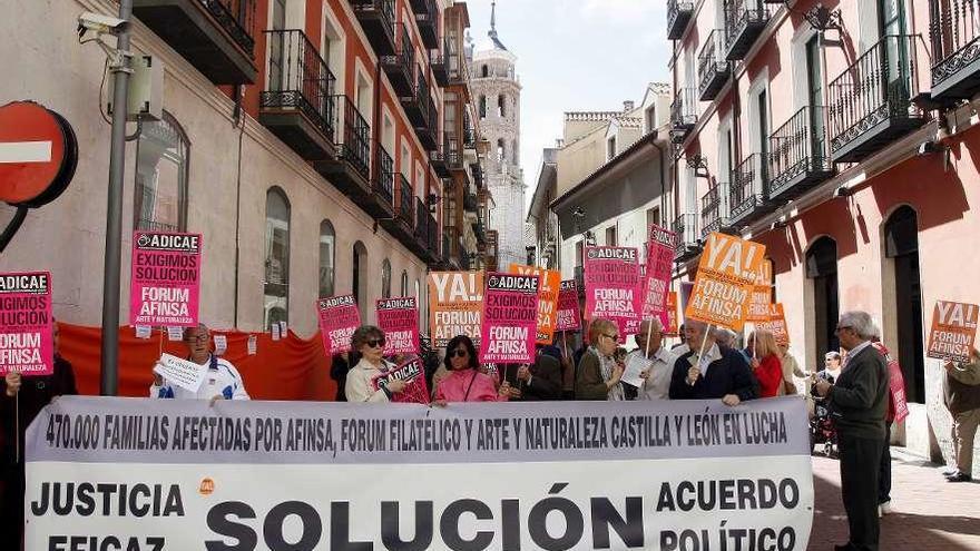 Los afectados de Fórum y Afinsa piden justicia tras doce años de reclamaciones