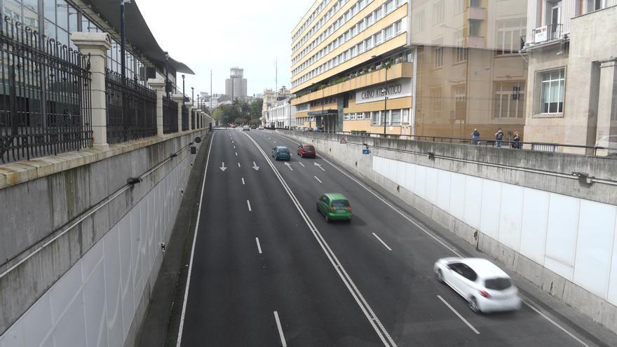 Movilidad reduce a 30 km/h la velocidad en varios tramos del túnel de María Pita por filtraciones de agua