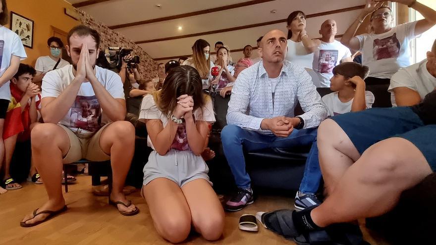 La familia de Adriana Cerezo celebra su medalla de plata desde España