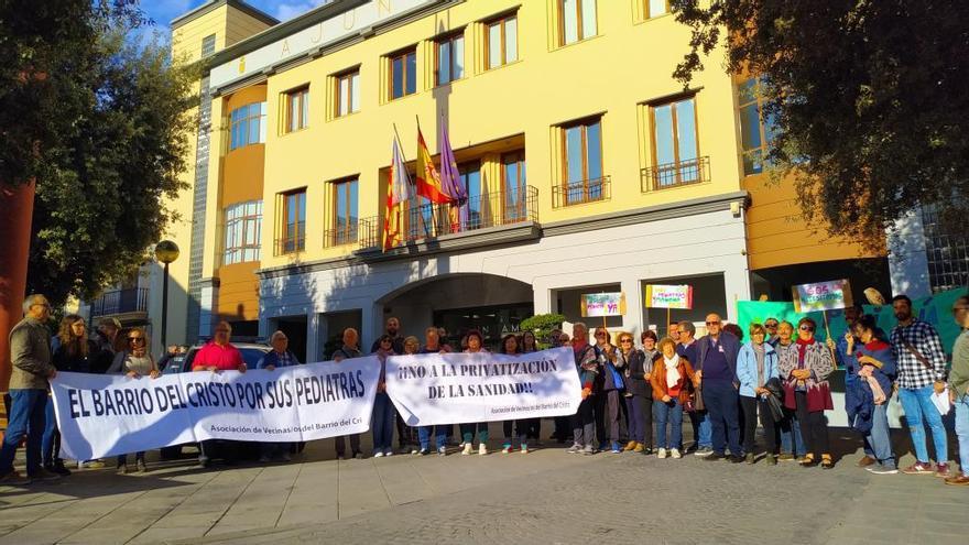 Protesta en Quart contra el recorte de pediatras