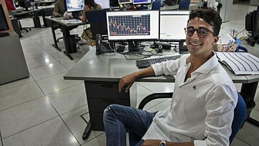 Un grancanario diseña un programa para invertir en los mercados de divisas