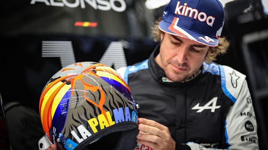 Fernando Alonso dedica su casco a La Palma y lo subastará para la isla