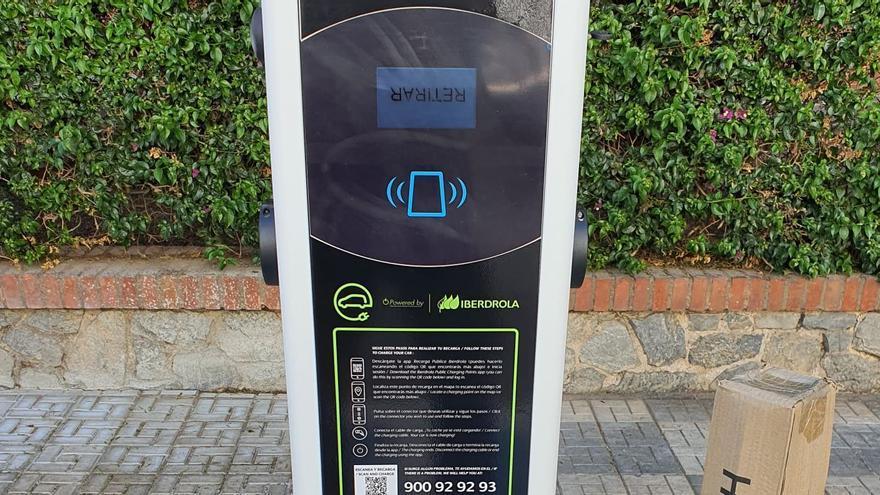 Instalados en Málaga los cinco primeros postes de recarga para coches eléctricos