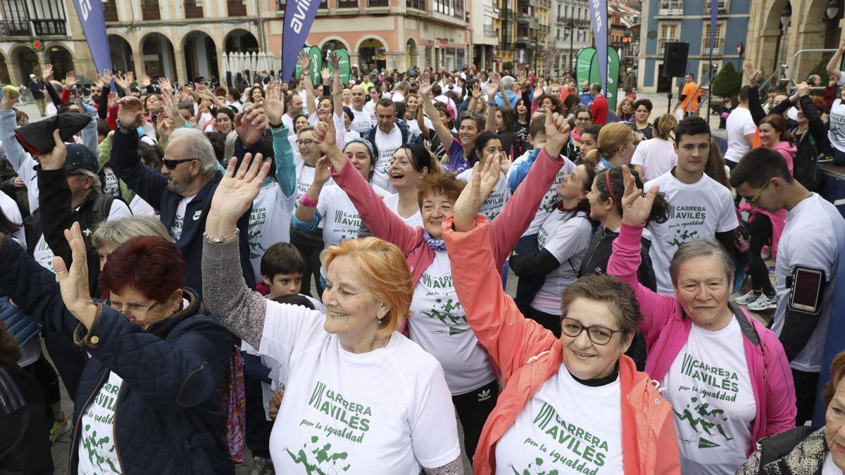 Participantes, el año pasado, en la carrera del 8 de marzo en Avilés.