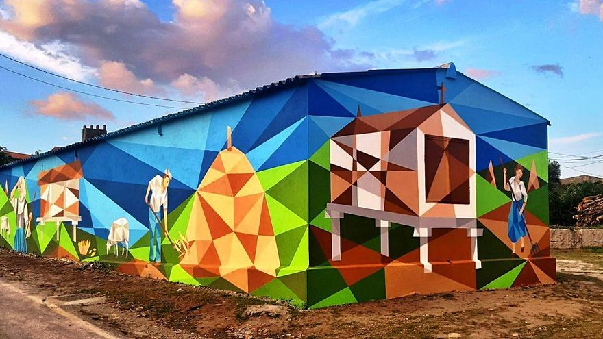 El artista Flix inaugura su séptimo mural en Oia