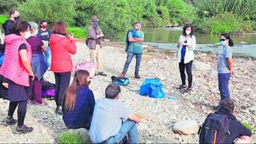 Primera jornada participativa del projecte de ciència ciutadana «Llegim el riu» a Abrera