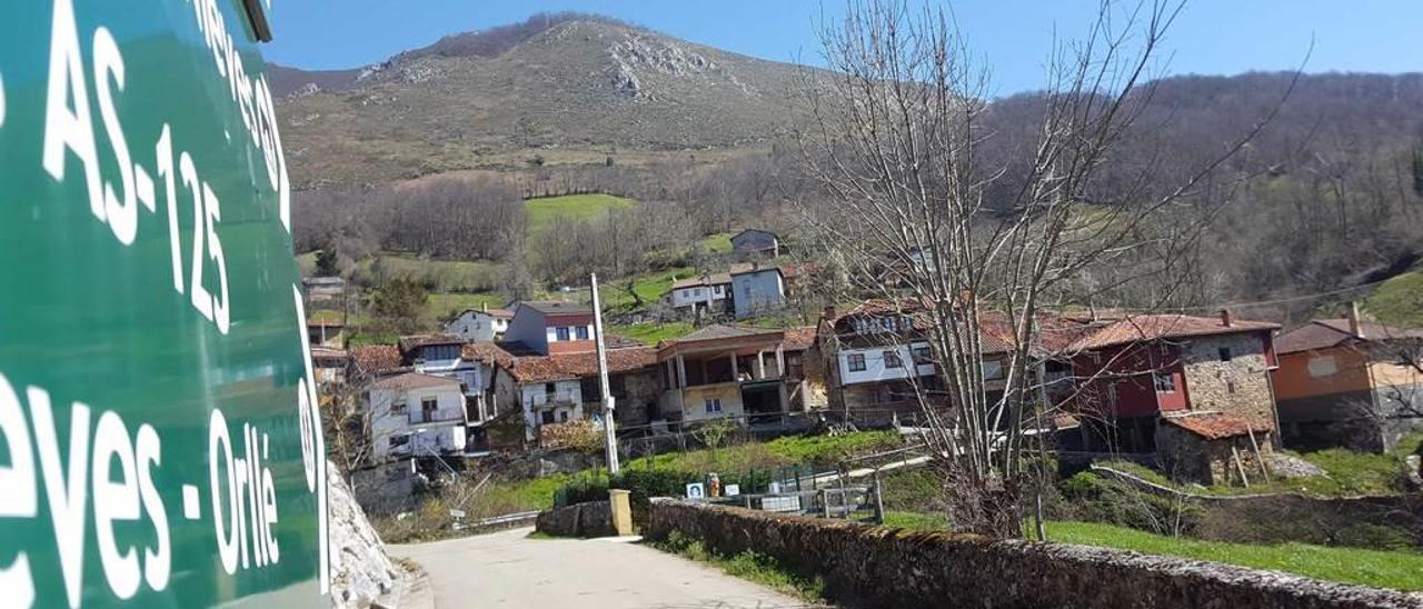La entrada del pueblo de Nieves, en Caso.