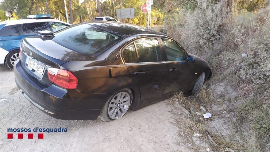 Un conductor begut abandona el seu fill en patir un accident a Caldes, fuig i torna a tenir-ne un altre a pocs metres