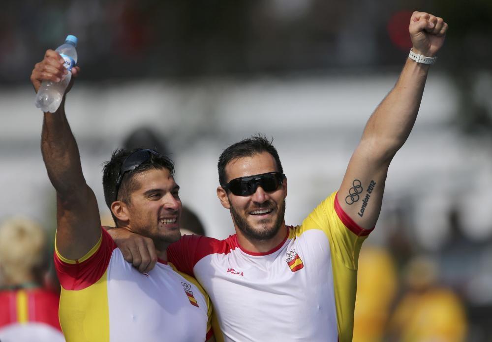 El gallego Toro, junto a Craviotto, celebrando el oro // REUTERS