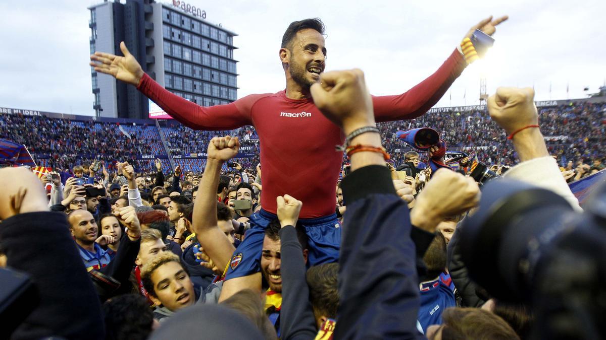 Pedro López, durante el ascenso frente al Oviedo.